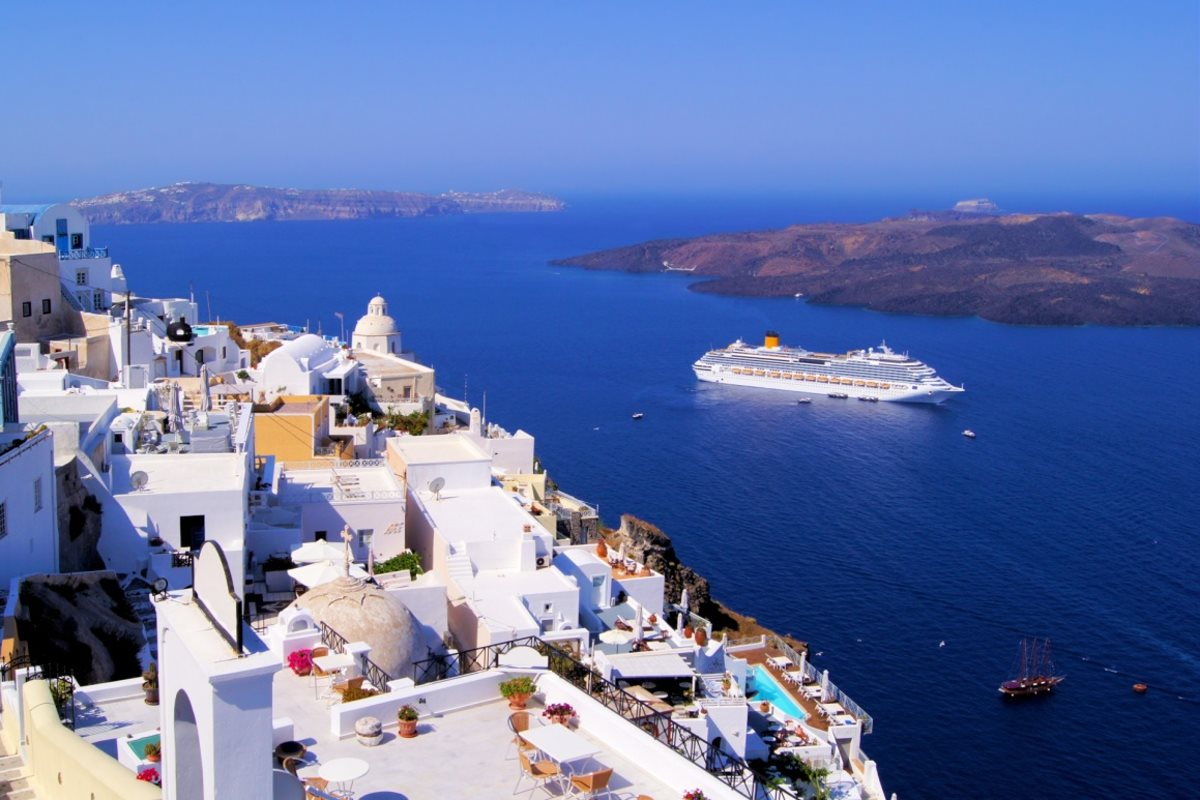 Fira, the capital of the island, is well-known for its shopping venues and the vibrant nightlife.